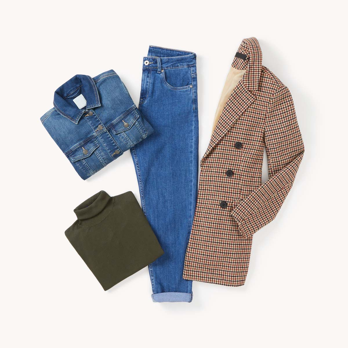 total look denim con blazer cuadros