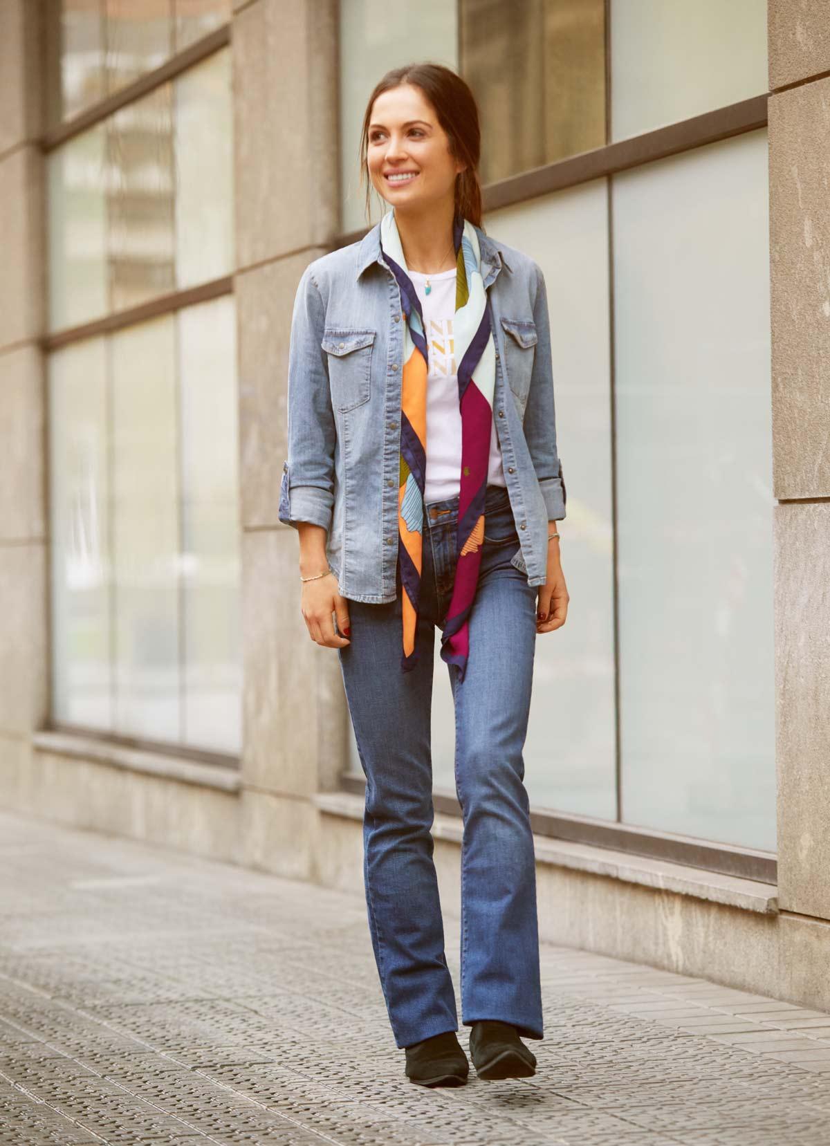 total look vaquero con flare jeans