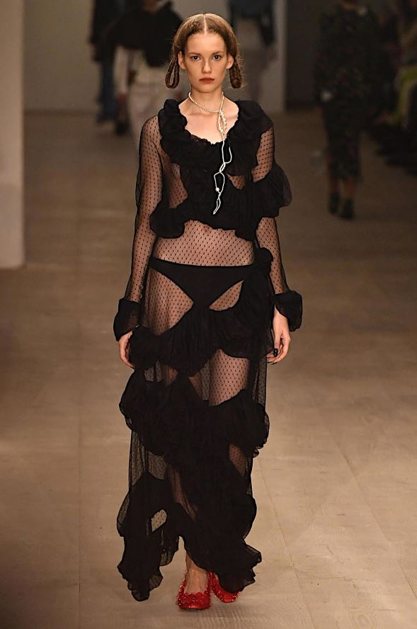 Lingerie london fashion week 2020 dentelle