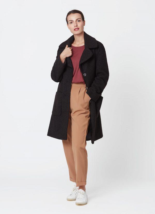abrigo de paña negro