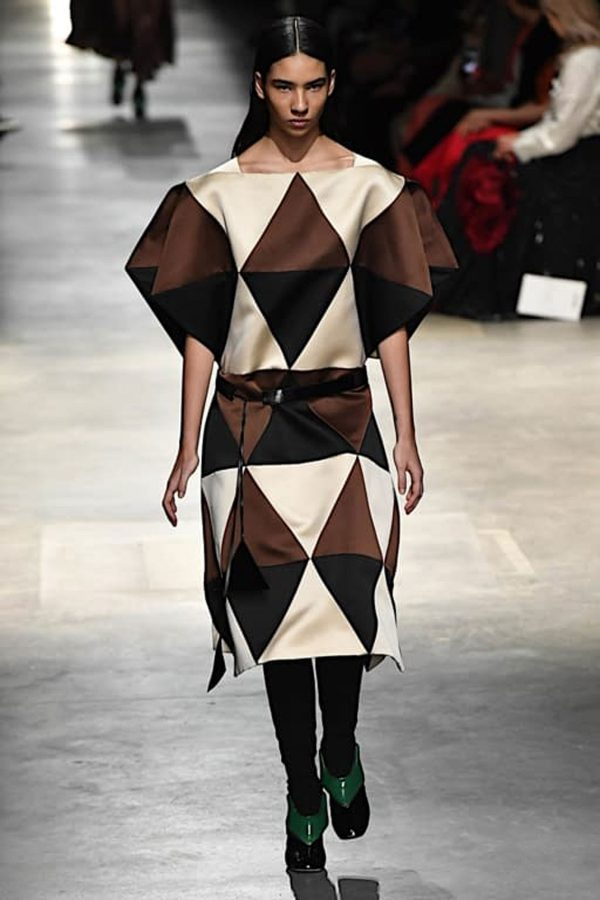 christopher-kane london fashion week aw 2020 geometrie