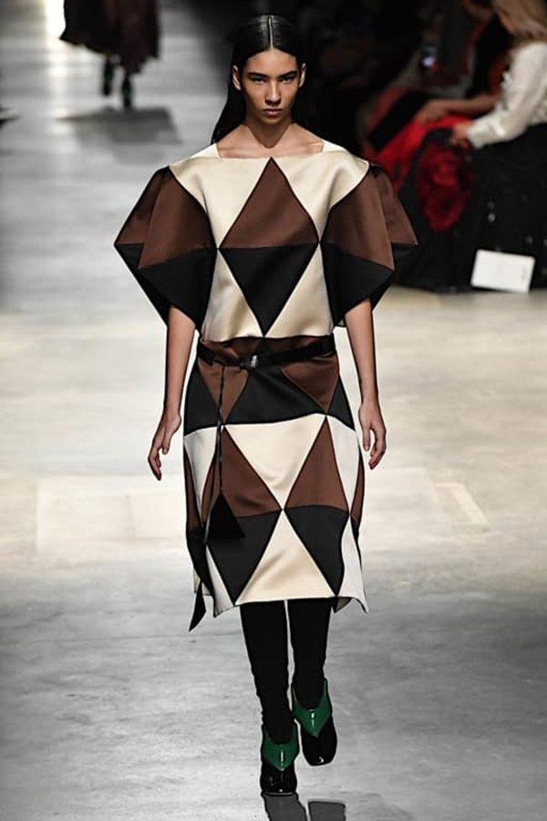 christopher-kane geometric prints london fashion week