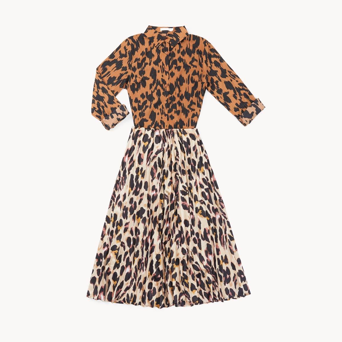 falda midi y blusa animal print tendencia mix and match