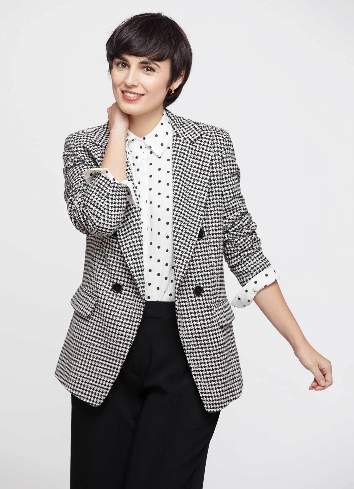 mix houndstooth and polka dots