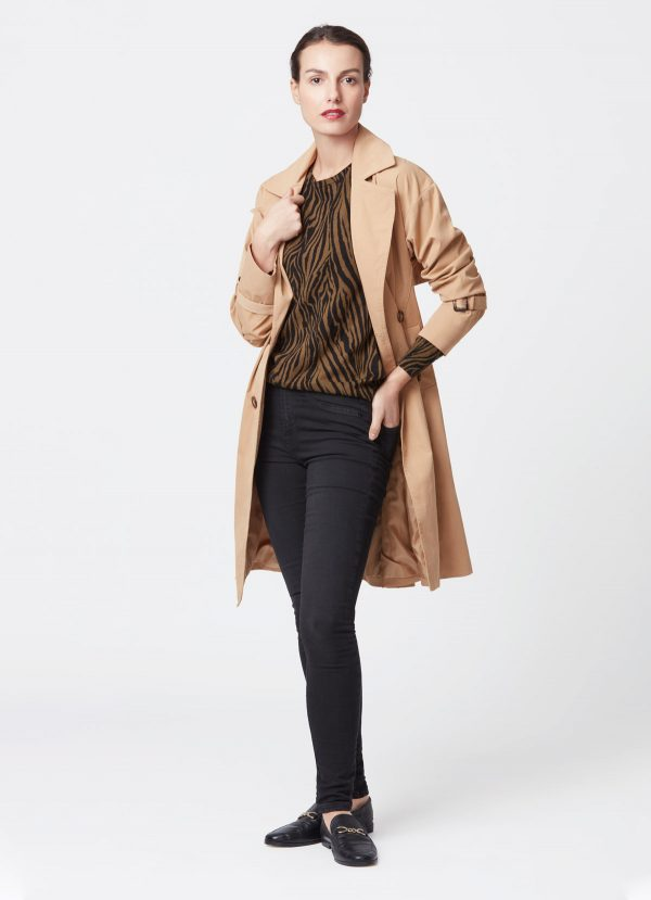 le trench beige tenue
