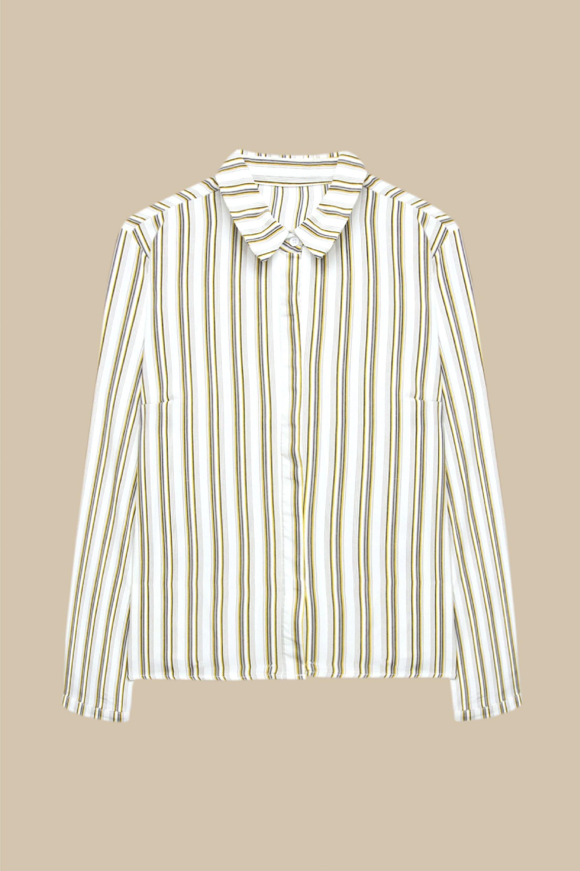 La chemise blanche à rayures