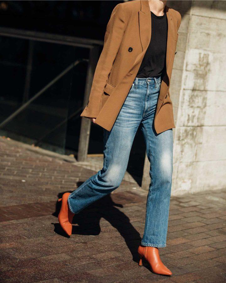 Comment créer un look tendance en jean et bottines