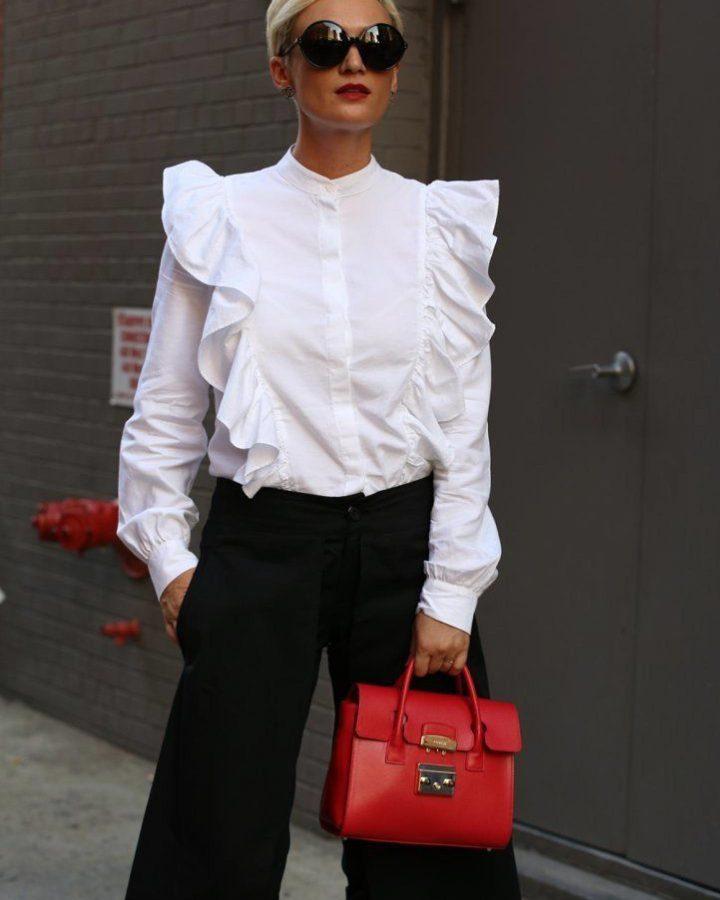 blusa con volantes blanca street style