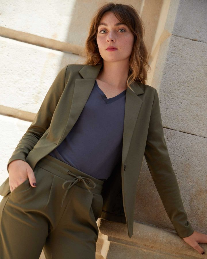 How to wear khaki in style