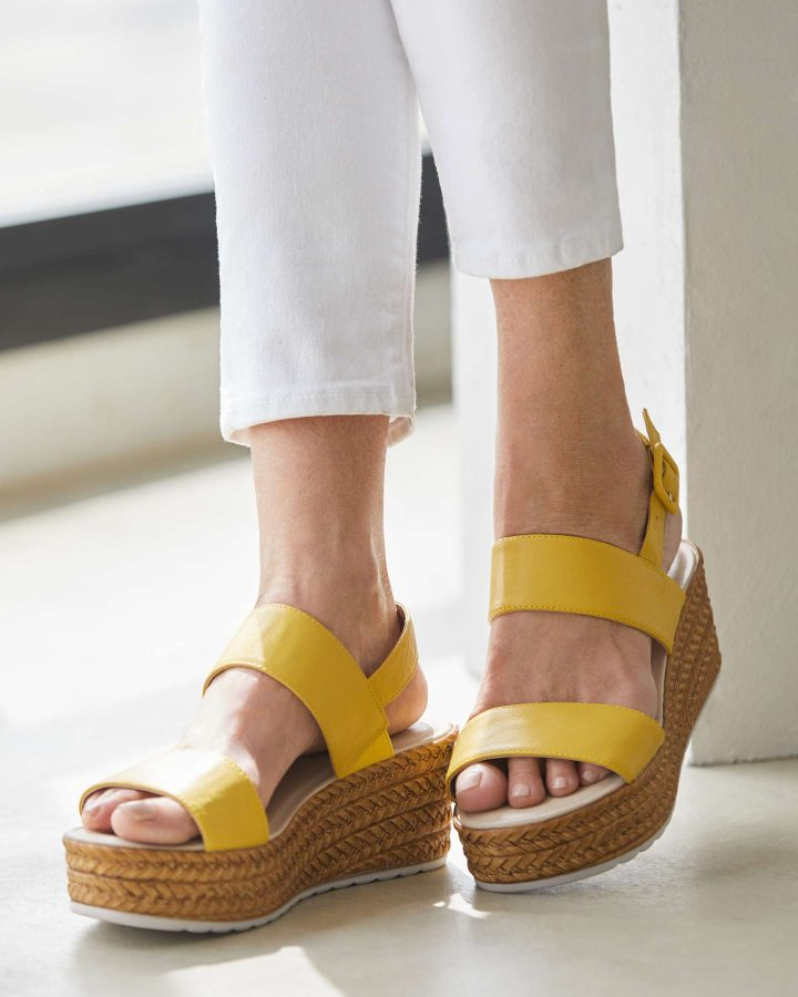 sandalias para pies planos