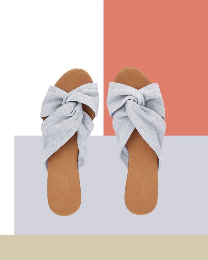 sandalias planas para pies con juanetes