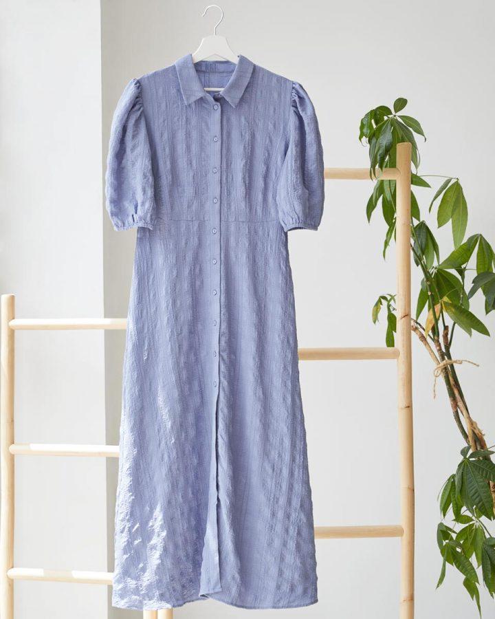 vestido azul claro mangas abullonadas