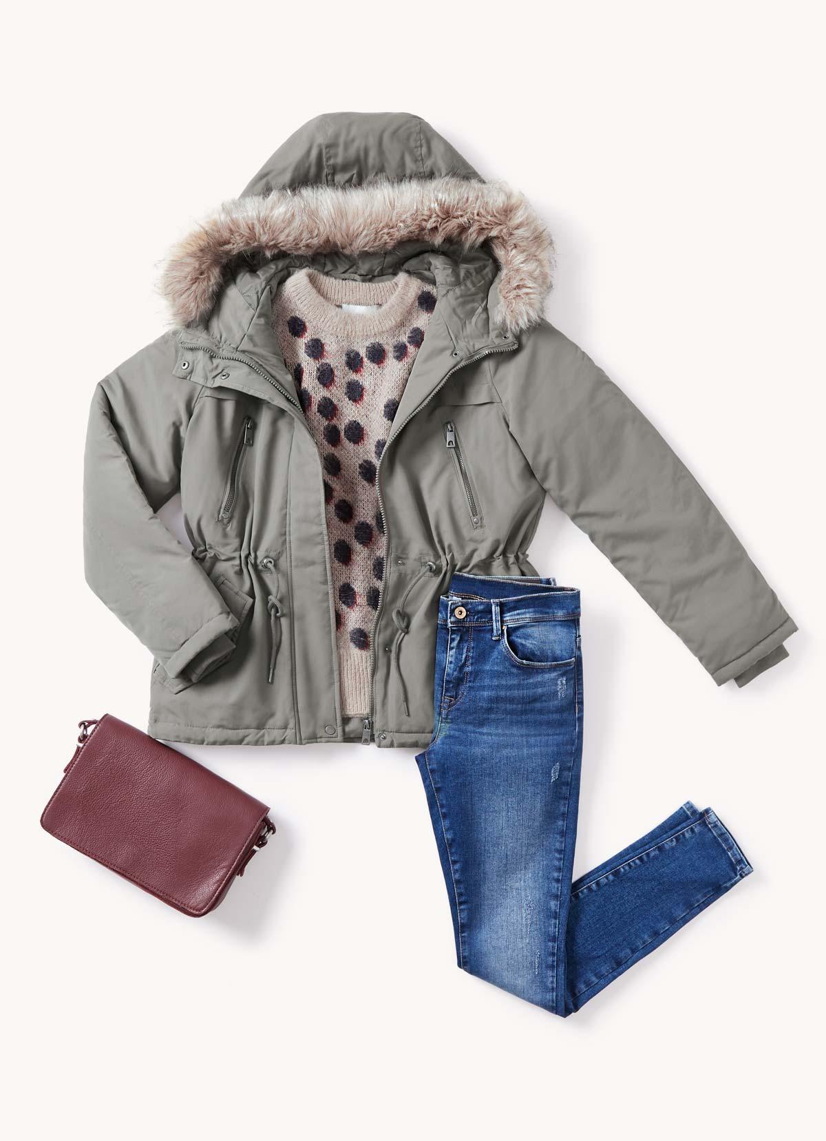 look jeans y parka verde diciembre