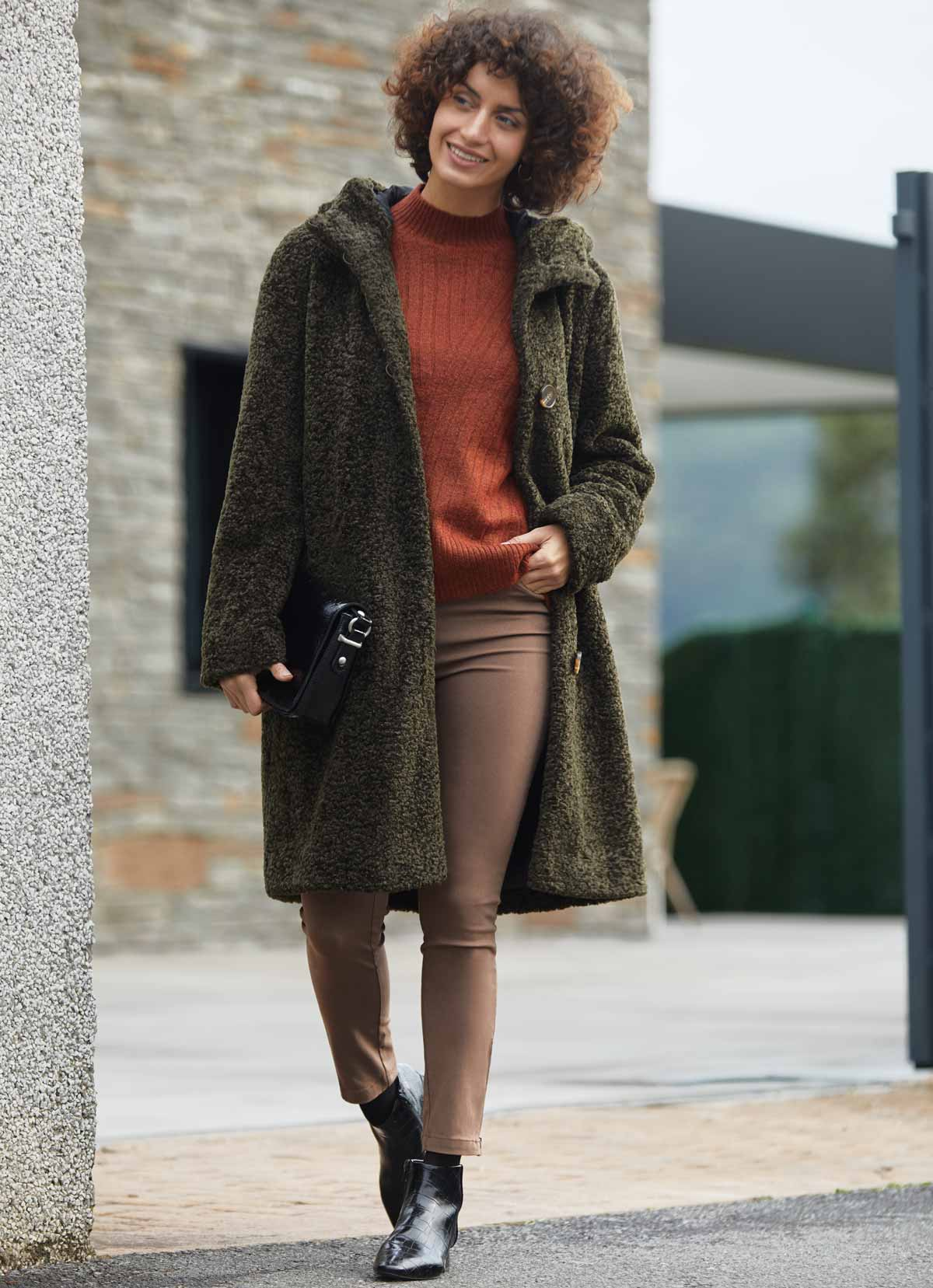 Manteau teddy kaki et capuche tenue
