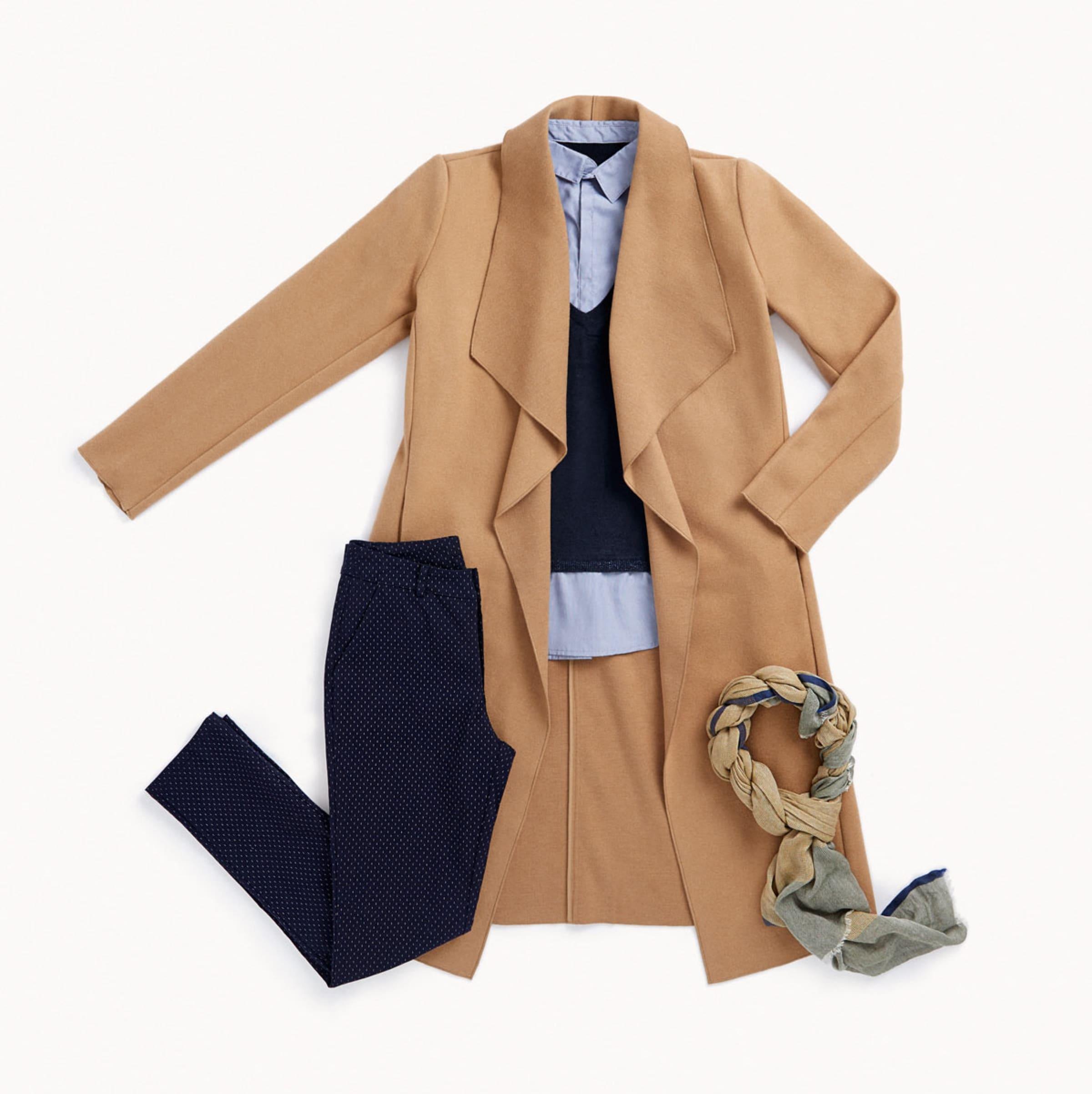 Outfit con levita de ante y pants marino
