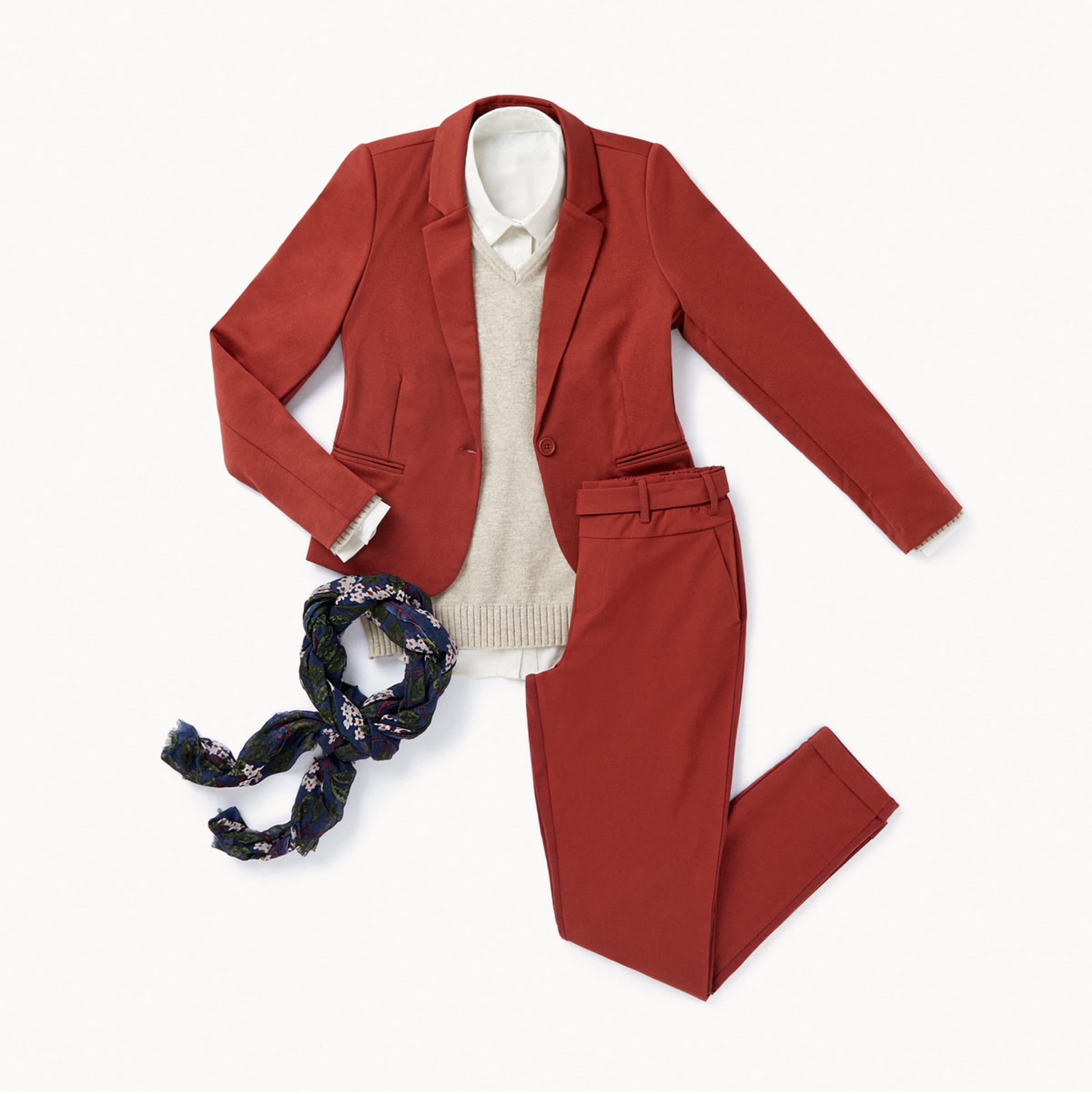 traje de chaqueta color teja oficina outfit