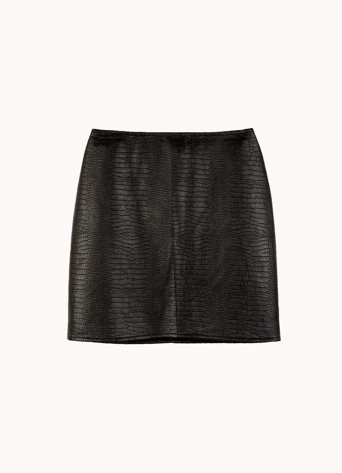 falda efecto cuero negra