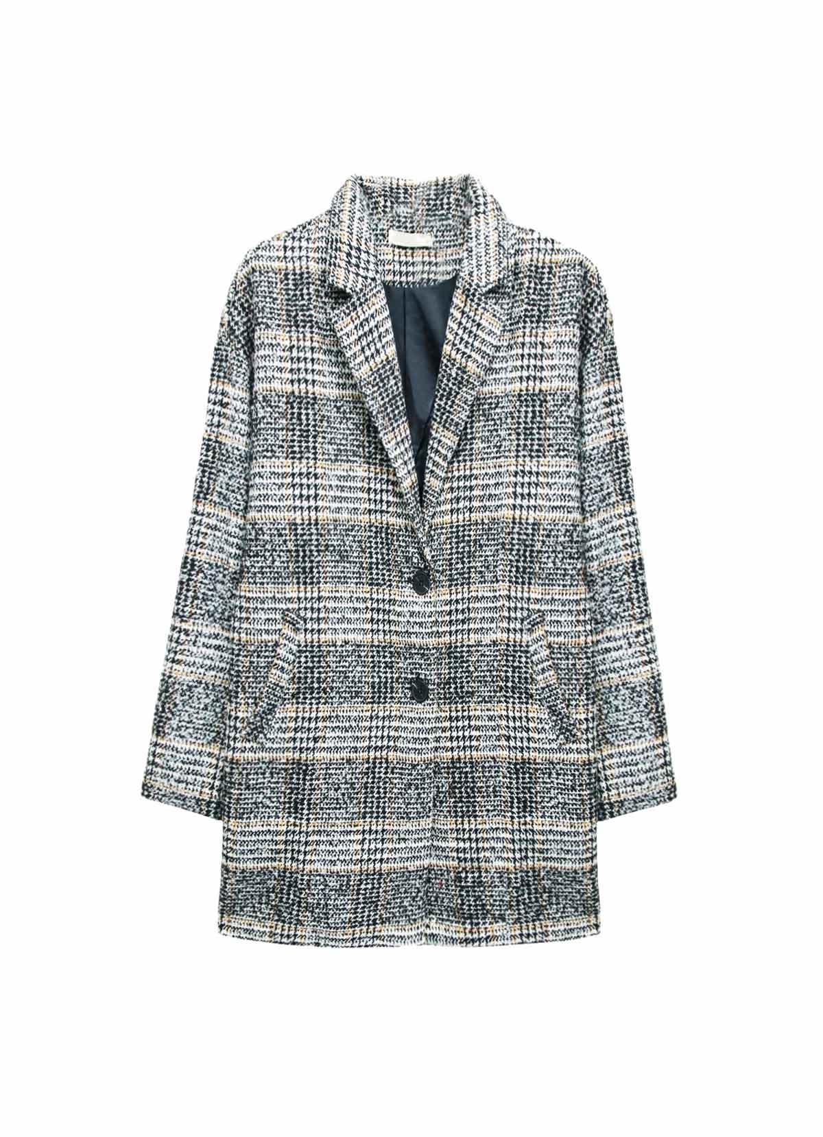 Le manteau de laine à carreaux
