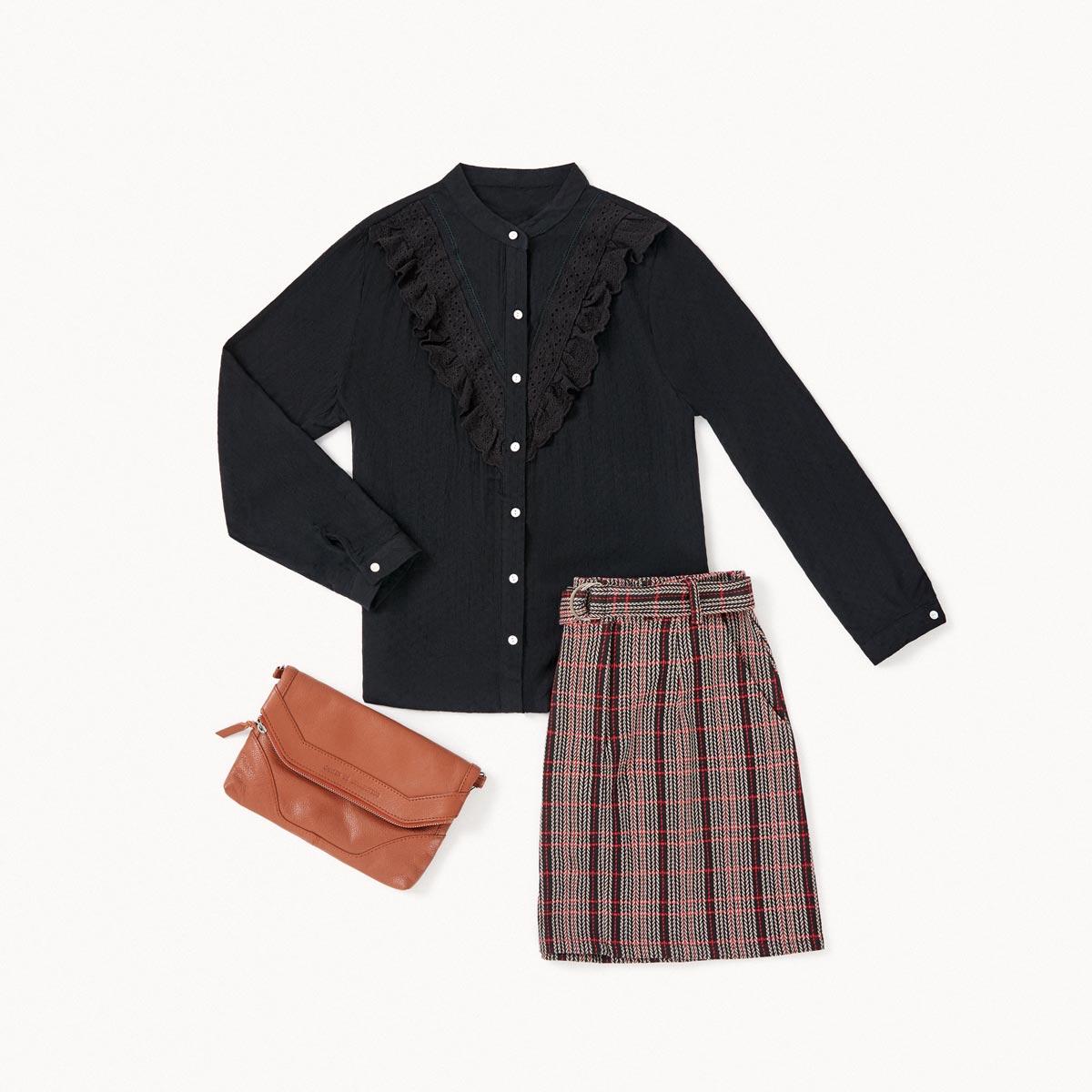 look casmisa negra y falda