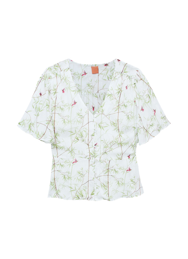 blusa escote pico para pecho pequeño