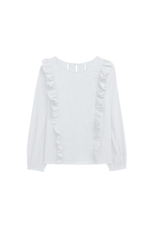 blusa romantica blanca armario capsula