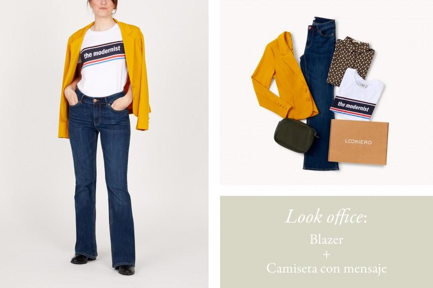 look jeans flare con blazer amarilla