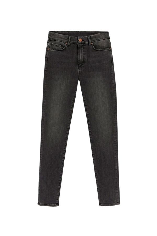 jeans negros estilo casual