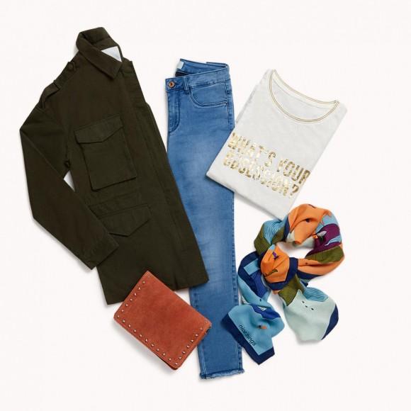 look jeans y chaqueta army entrevista informal