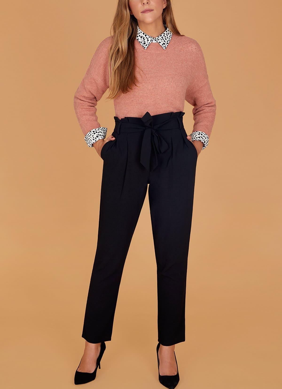 jersey salmon y pantalon negro paper bag