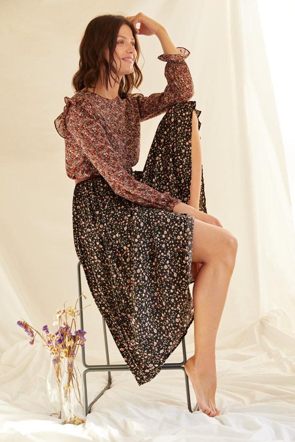 jupe florale pour un look romantique et bohème