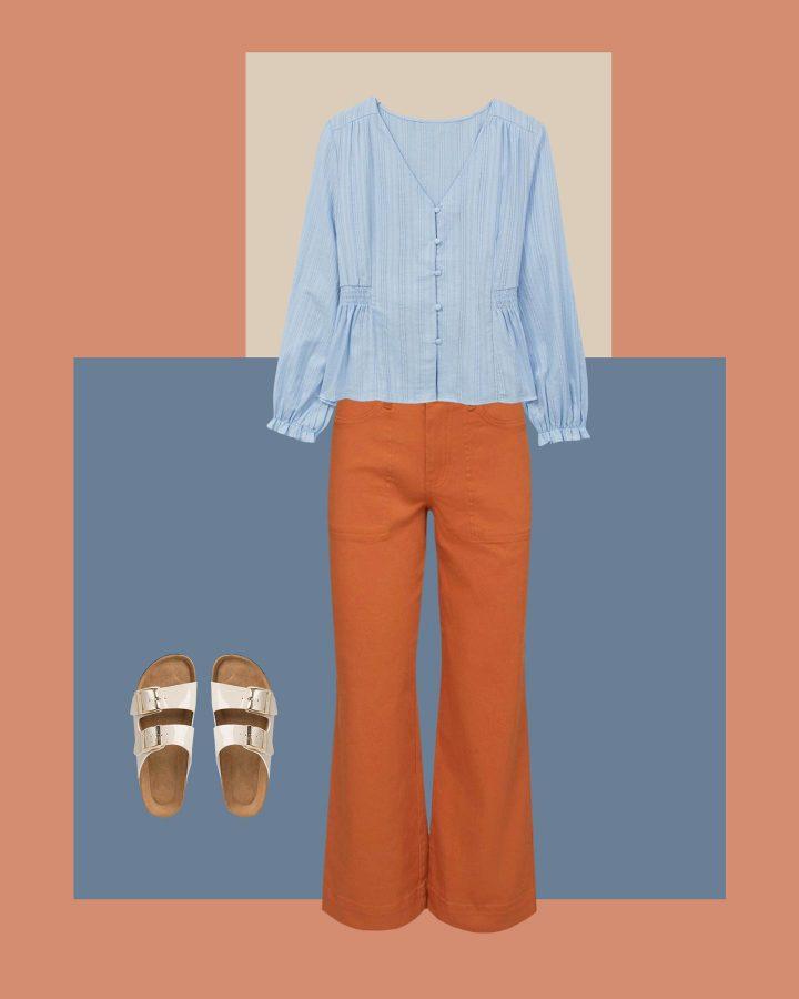 look jeans naranjas y camisa azul