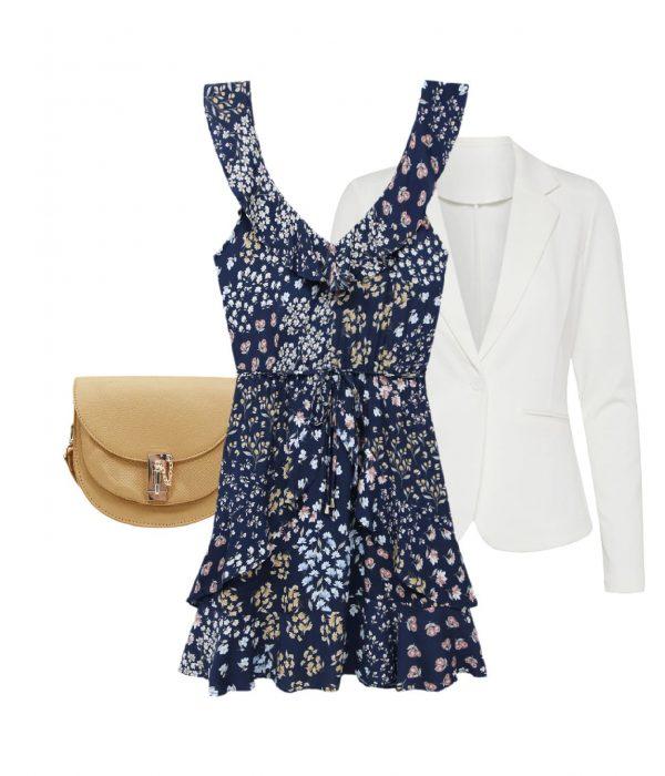 Mini robe à fleurs et blazer pour un look preppy