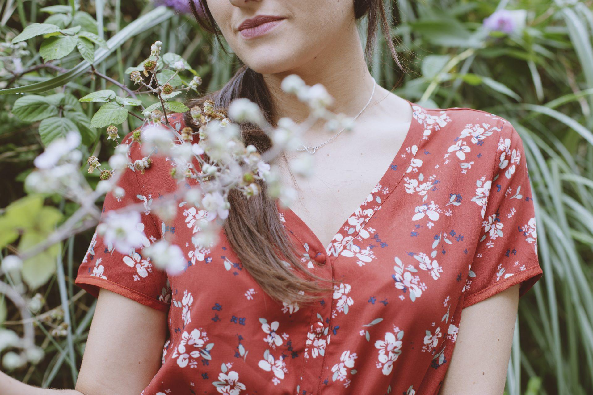 Vestido rojo de estampado floral