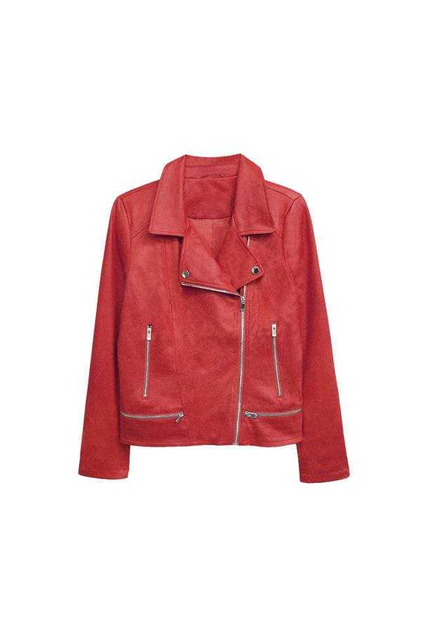 chaqueta efecto cuero roja tendencia color otoño 2020