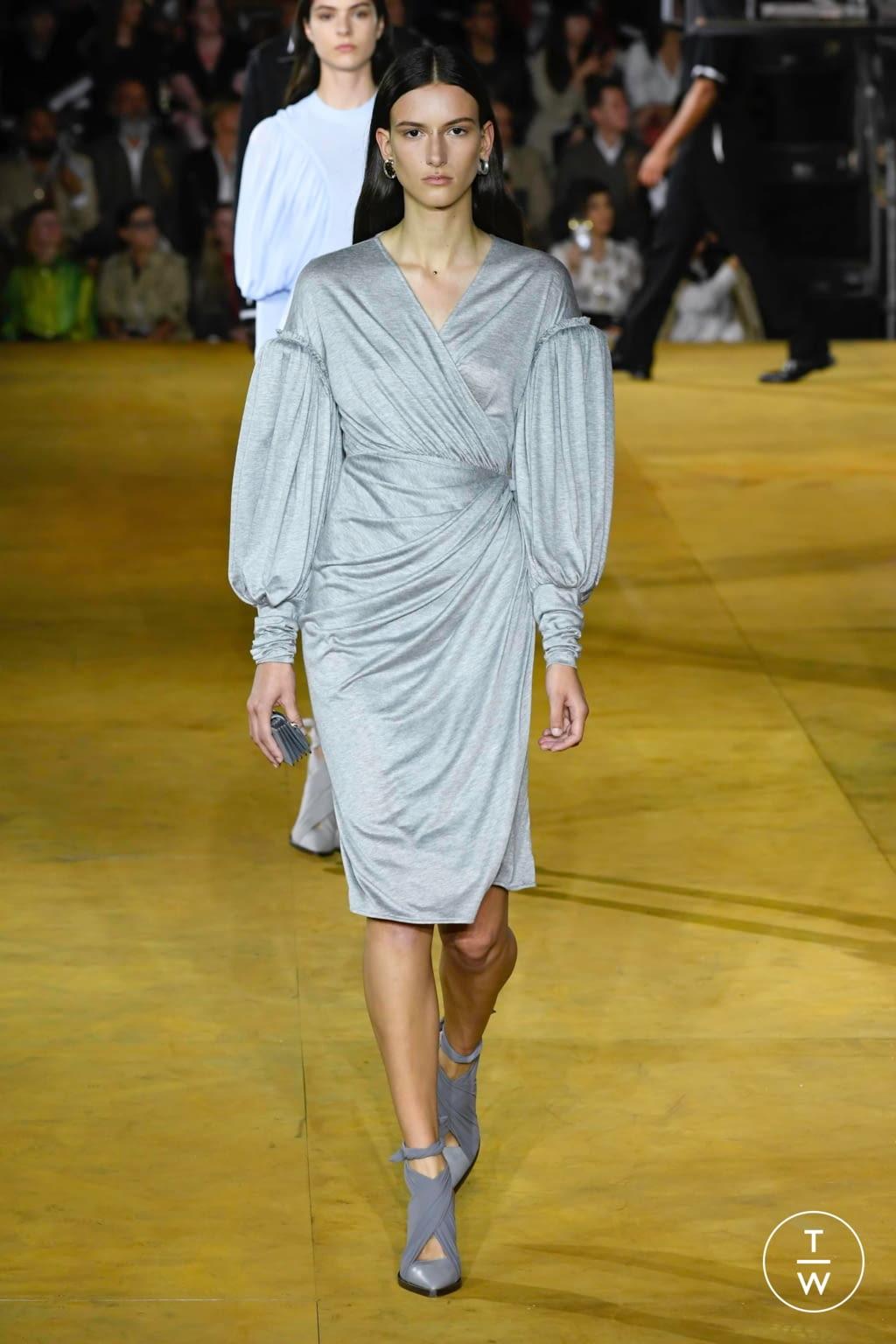 vestido drapeado london fashion week ss20