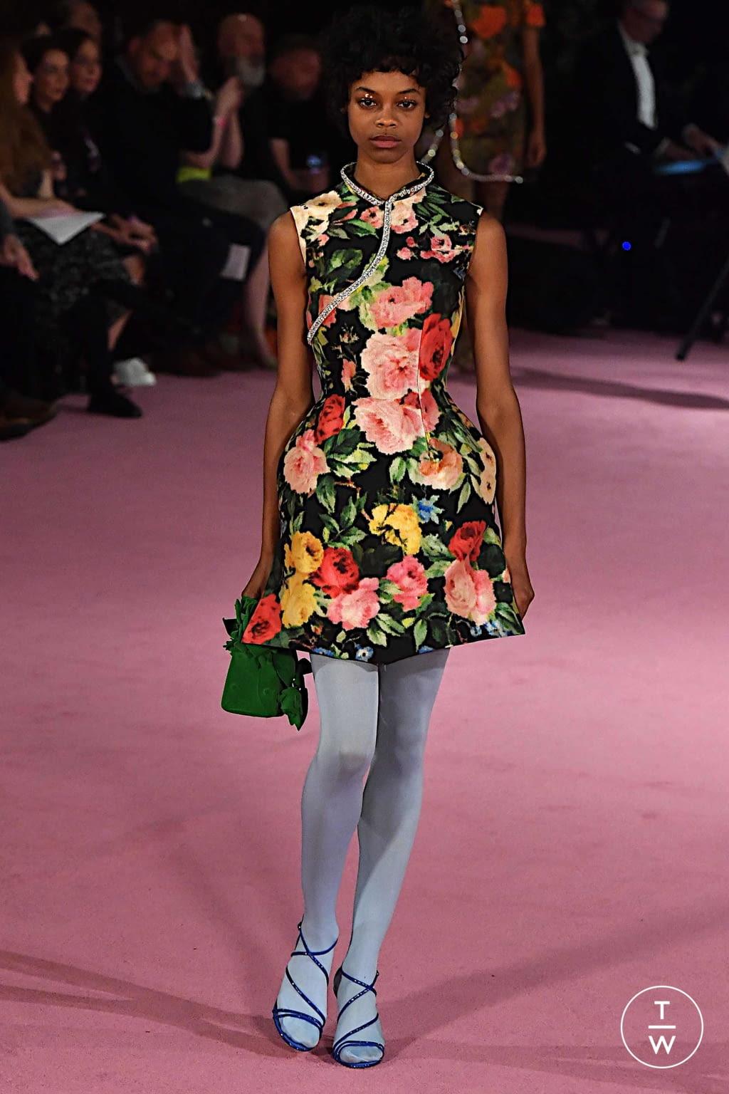vestido-flores-richard-quinn